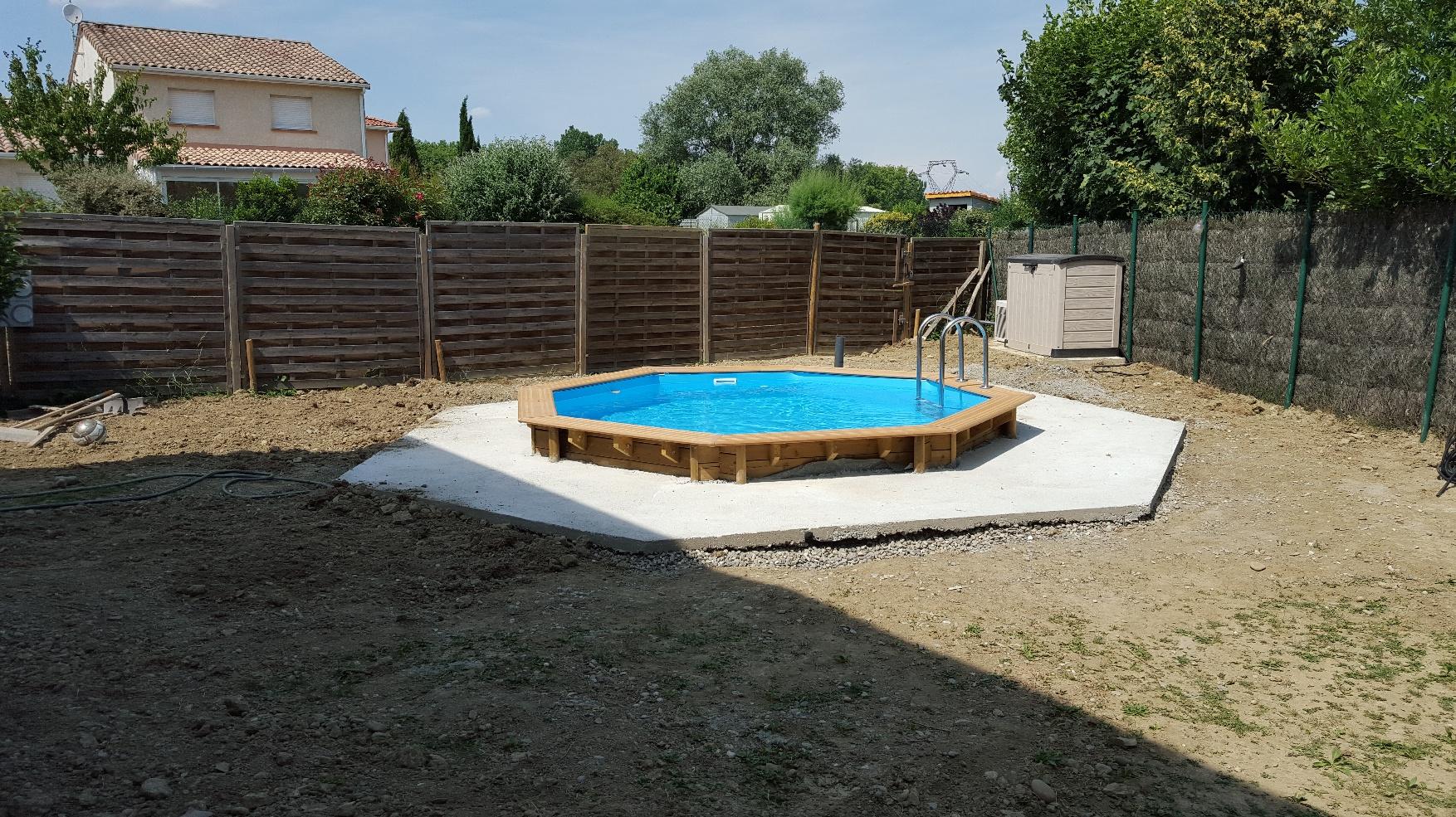 Piscine Bois Semi Enterree Hexagonale A Portet Sur Garonne