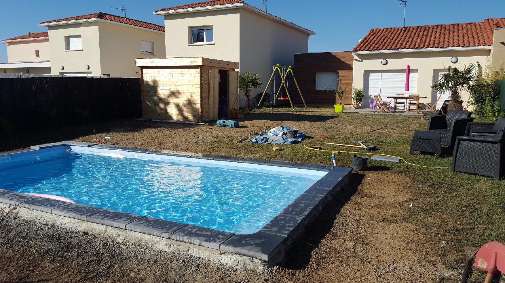 Installation d 39 une piscine coque polyester 6m x 3m - Piscine municipale plaisance du touch ...