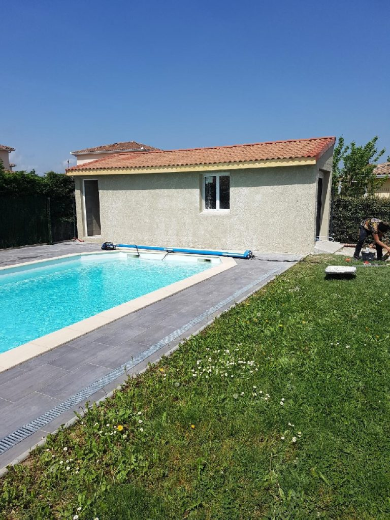 hydrazur piscines 0629592375 841 277 478 10 rue marat 31270 Frouzins installation construction rénovation piscine coque polyester Toulouse saint gaudens haute Garonne midi Pyrénées ariège gers tarn tarne et garonne 31 32 81 82 09 liner volet couverture automatique bâche à barres traitement automatique électrolyseur de sel régulateur de ph pompe spa piscine filtre à sable verre pompe à chaleur margelles dalles piscine moquette de pierre pool house local technique coque polyester chlore brome pompe à chaleur spa piscine liner