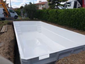 ydrazur Piscines livraison piscine coque polyester à Portet sur Garonne 31120 Haute Garonne Toulouse